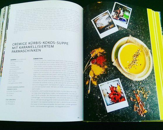 """Mein Koch- und Lifestyle-Buch """"Sichuanpfeffer meets Sauerkraut"""": Rezept - Cremige Kürbis-Kokos-Suppe mit karamellisiertem Parmaschinken"""